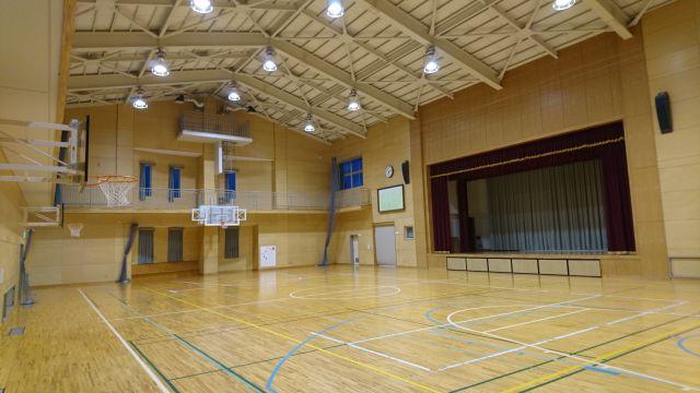 K小学校体育館
